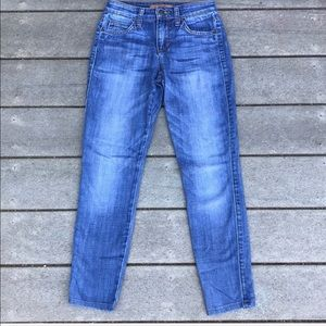 Joes Jeans- Medium Wash and Cropped Length Style